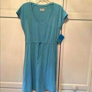 Columbia omni-wick dress. Medium